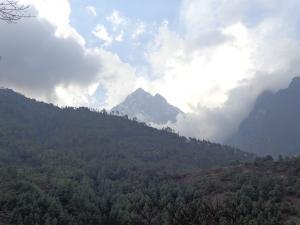 En route to Phakding