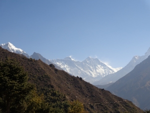 Everest-middle peak, looking more distant and hence smaller than the others